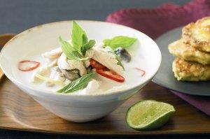 Кокосовый суп с фрикаделькой