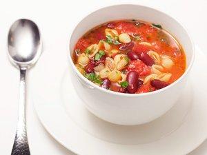 Фасолевый суп с вермишелью