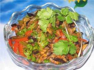 Баклажановый салат с фасолью