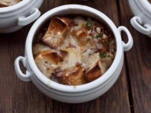 Луковый суп с коньяком